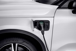 Volvo_Plug-In Hybrid Electric Vehicle_Charging Port_Cable