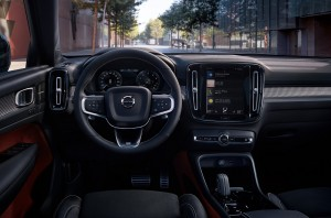 Volvo XC40 Recharge_Steering_Infotainment Touchscreen
