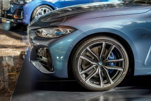 BMW 430i Coupe M Sport_Wheel_Headlight_Fender