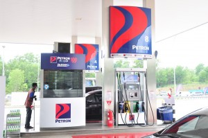 Petron_Station_Fuel Pump_Payment Counter