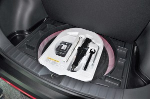 Toyota_Spare Tyre_Tool Kit