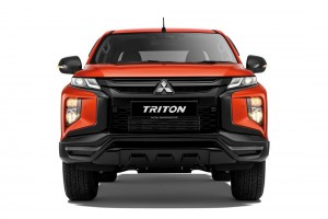 Mitsubishi Triton Athlete_Front_Headlights_Grille
