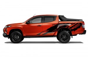 Mitsubishi Triton Athlete_Side