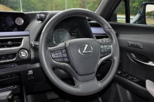 Lexus UX 200_Steering