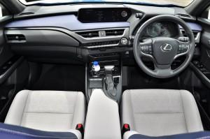 Lexus UX 200 Luxury_Dashboard_Steering_Centre Console