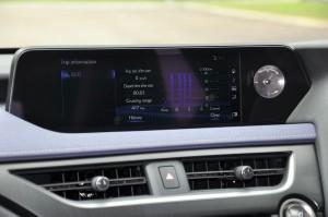 Lexus_10.3 Inch Infotainment Display_Analog Clock