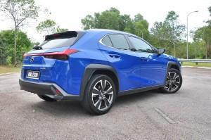 Lexus UX 200_Rear