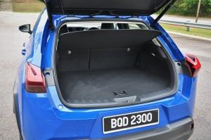 Lexus UX_Boot_Cargo Space
