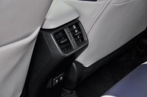 Lexus_Rear Cooling Vents_USB Ports
