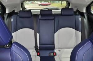 Lexus UX 200 Luxury_Seats_Rear Windscreen