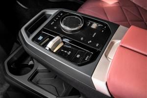 BMW iX_Interior_Armrest_Controller